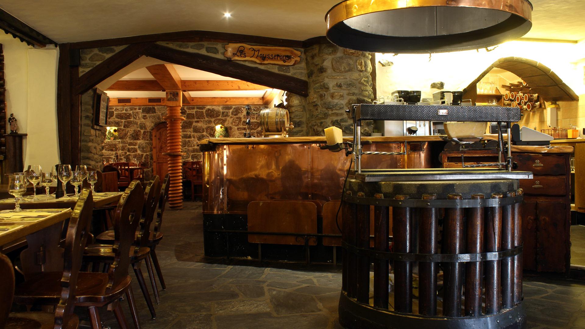 restaurant-le-caveau-01.jpg